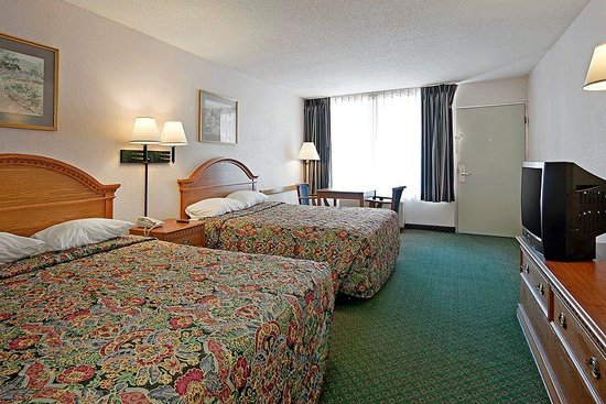 Americas Best Value Inn Marianna: Two Doubles Guest Room