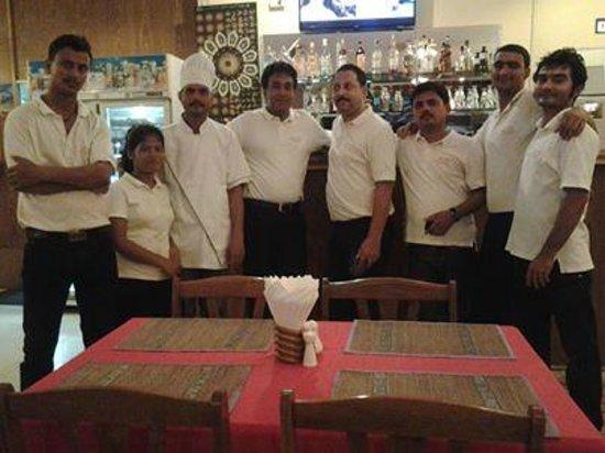 Live India: Restaurant Staff