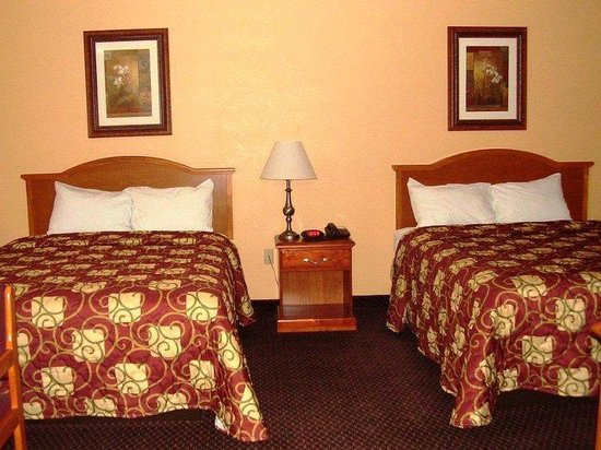 Americas Best Value Inn Lawrenceburg: 2 Doubles Guest Room