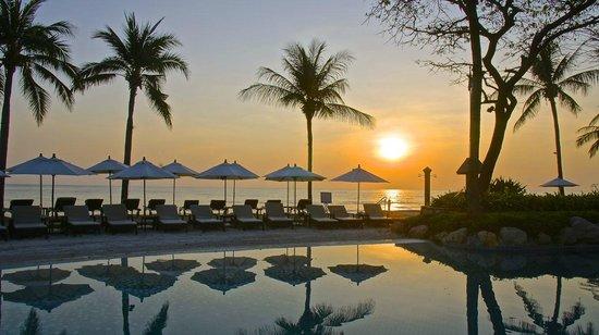 Hyatt Regency Hua Hin: Strand pool