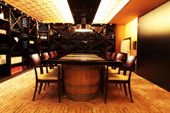 Kalkans Restaurant and Lounge : Weinkeller-bar