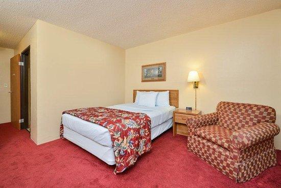 Americas Best Value Inn: One Double Bed.jpg
