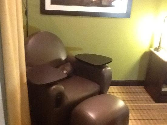 "Wyndham Garden Oklahoma City Airport: ""smart"" chair with outlets and table tops."