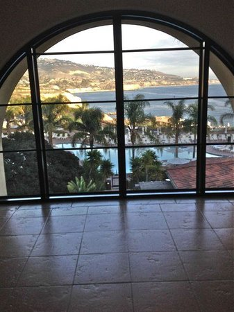 Terranea Resort: Elevator lobby view