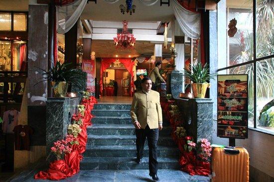 The Everest Hotel : エントランス