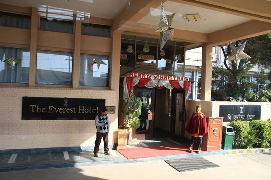 The Everest Hotel : 外観