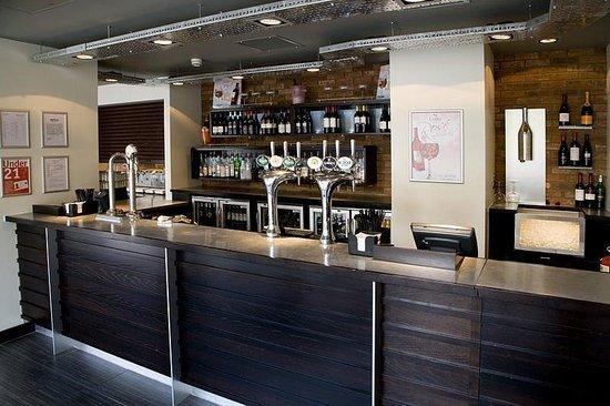 Premier Inn London Euston Hotel: Bar