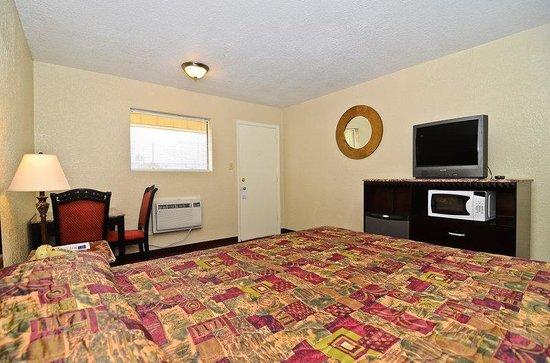 Americas Best Value Inn Refugio : Standard One King