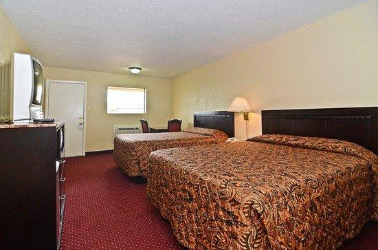 Americas Best Value Inn Refugio : Suite Room