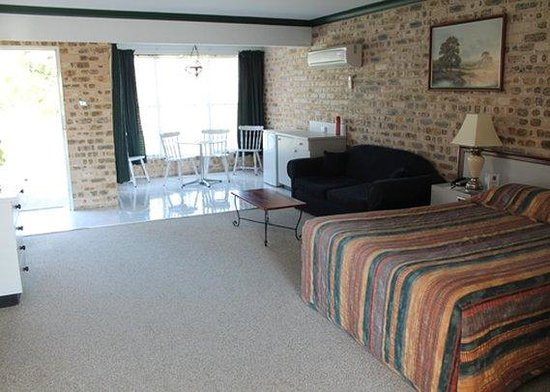 Sir Francis Drake Inn: guest room