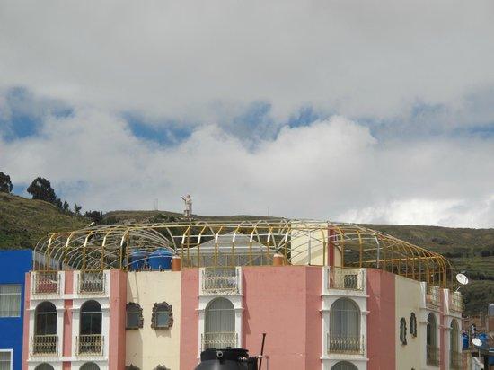 Qelqatani Hotel: Vista Monumento Manco Capac desde la habitación