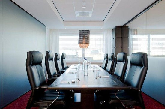 Holiday Inn Express Amsterdam-Sloterdijk Station: The hotel features  two boardrooms of 8 persons with free wifi