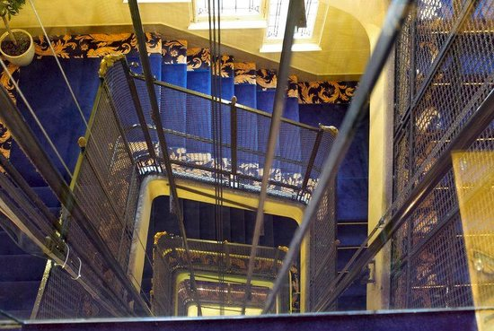 Grand Hôtel Bellevue : Interior corridor