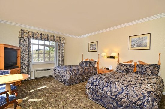 Americas Best Value Inn & Suites : 2 Queen Bed Guestroom.jpg