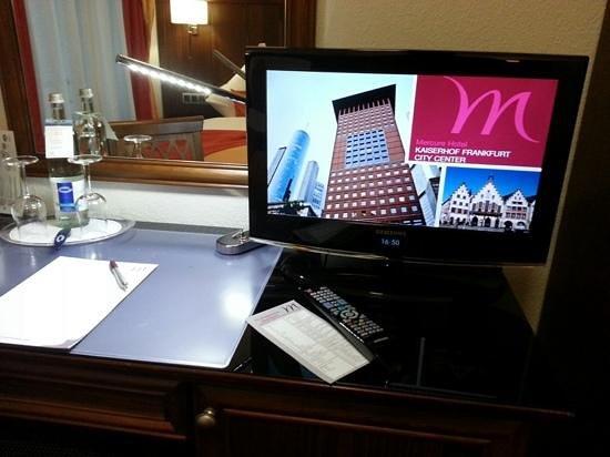 Mercure Hotel Kaiserhof Frankfurt City Center: TV