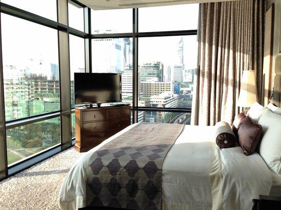 The St. Regis Bangkok : Caroline Astor Suite (Room 1824) / King Bedroom