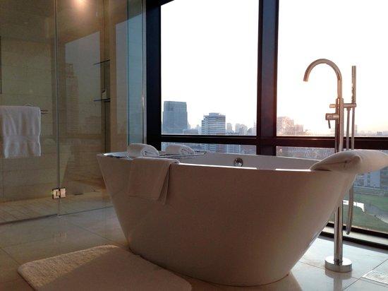 The St. Regis Bangkok: Caroline Astor Suite (Room 1824) / Bathroom