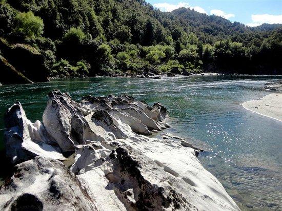 Buller Gorge Swingbridge Ltd: Buller River