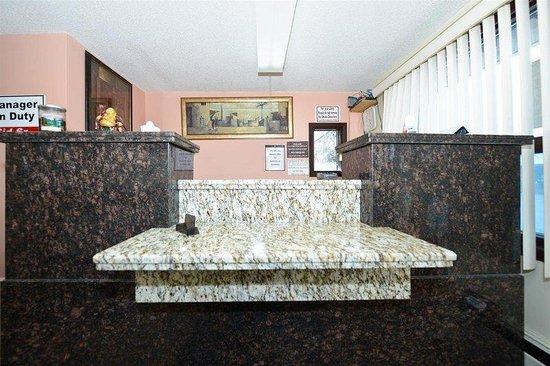 Victoria Motel: Front Desk