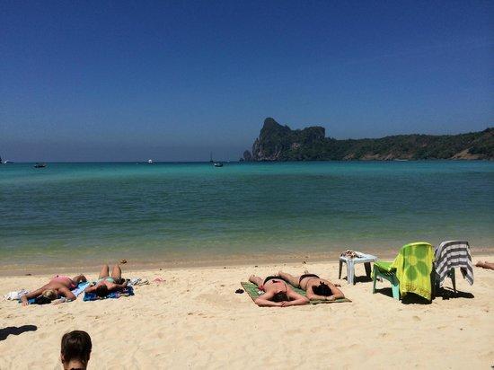 Baia Baia: ホテル目の前のビーチ