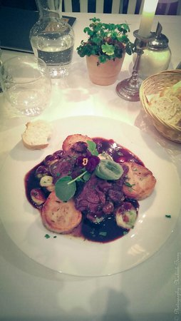 Hommage a Magritte : Dri Gut (German Speciality Restauraunt ! Cheeks of Veal !