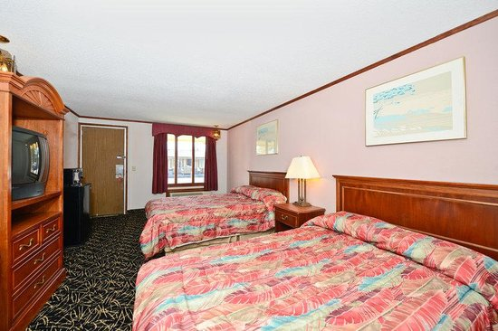 Americas Best Value Inn & Suites - Warren / Detroit: Two Doubles Guest Room