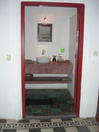 Rambutan Hotel Siem Reap: Bathroom Sink