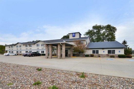 Americas Best Value Inn Geneseo: Exterior