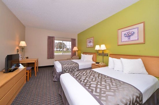 Americas Best Value Inn Geneseo: Two Double Beds