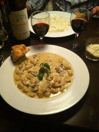 Sevran, Frankrijk: Gnocchi au champignons