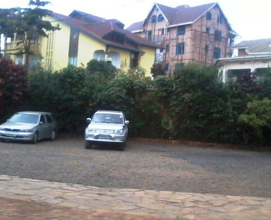 Hotel Horizon : Decent parking area