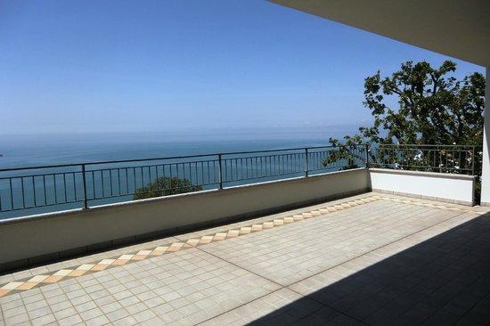 Bed & Breakfast Al Tramonto: Vista mare dalla nostra terrazza solarium.