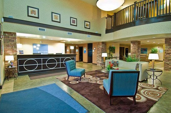 Holiday Inn Express Oro Valley - Tucson North : Lobby Lounge