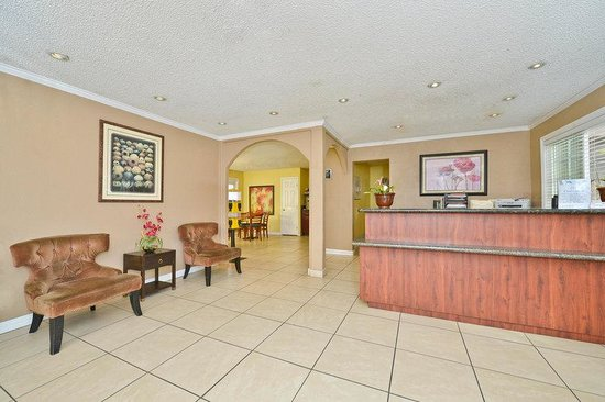 Americas Best Value Inn Kettleman City: Lobby
