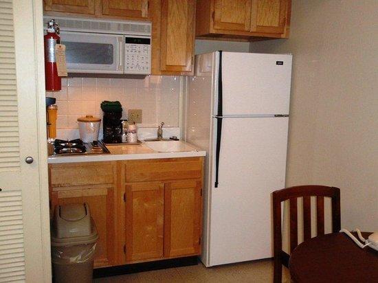 IHG Army Hotel - Presidio of Monterey: 1 Bedroom Suite w/ Kitchenette