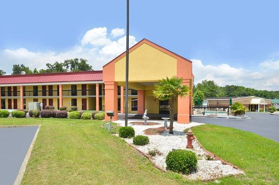 Americas Best Value Inn Hinesville - Ft. Stewart: Exterior
