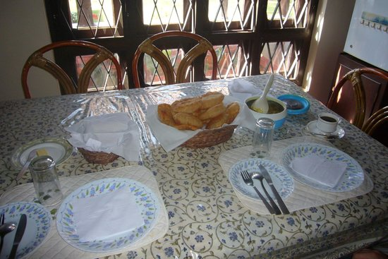 Kollenkeril Plantation Home-Stay Bungalow: Dinner!
