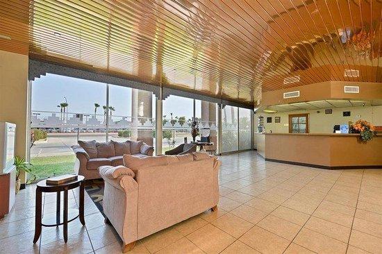 Americas Best Value Inn Yuma Chilton Conference Center : Lobby