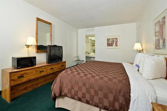 Americas Best Value Inn Yuma Chilton Conference Center : King Guest Room