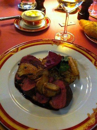 Restaurant La Couronne: Magret de canard & cêpes fraiches!!