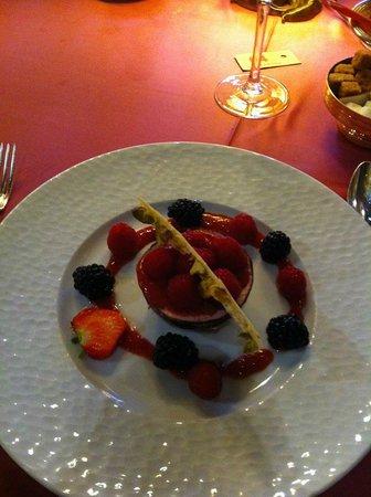 Restaurant La Couronne: Dessert, chocolat, framboises