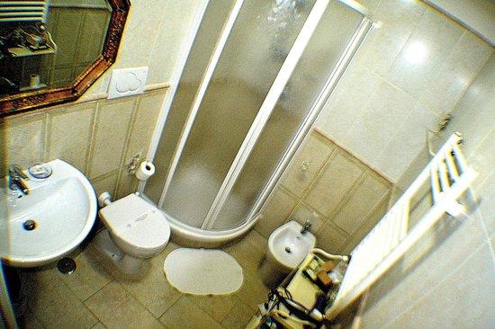 B&B Tucci's house Roma: bathroom room 2