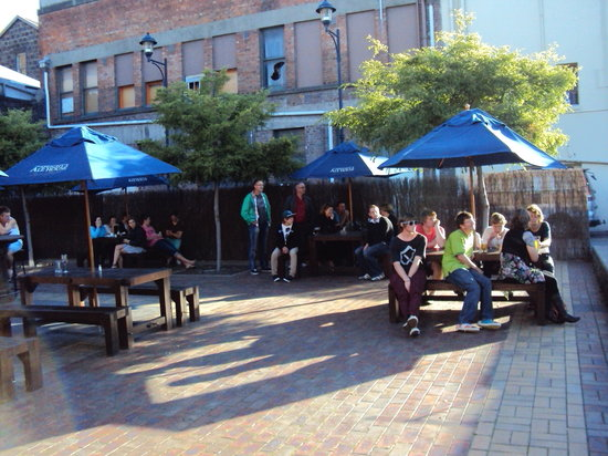 Speights Ale House : Enjoy the courtyard