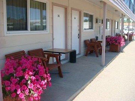 Red Coat Inn Motel: Exterior