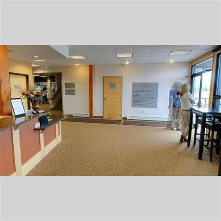 Pines at Meadow Ridge: Front Desk