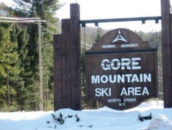 Black Mountain Lodge: Just 3 miles