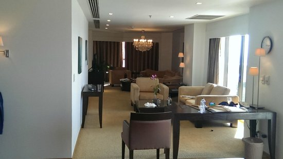 lebua at State Tower: suite