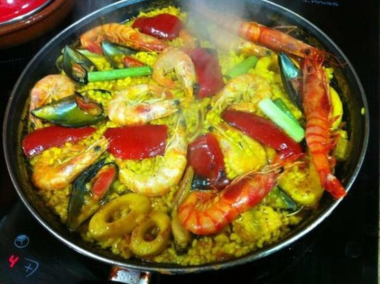 Murillos Spanish Restaurant: Paella