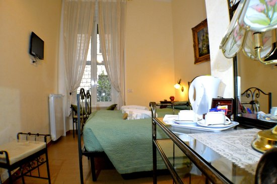 B&B Tucci's house Roma: room-3