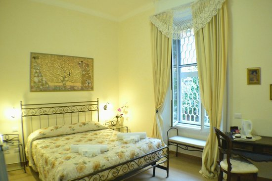 B&B Tucci's house Roma: room-2